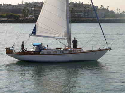 Champagne Sailboat Cruise from Marina Del Rey