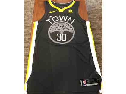 Original, autographed Stephen Curry NBA FINALS jersey with COA!