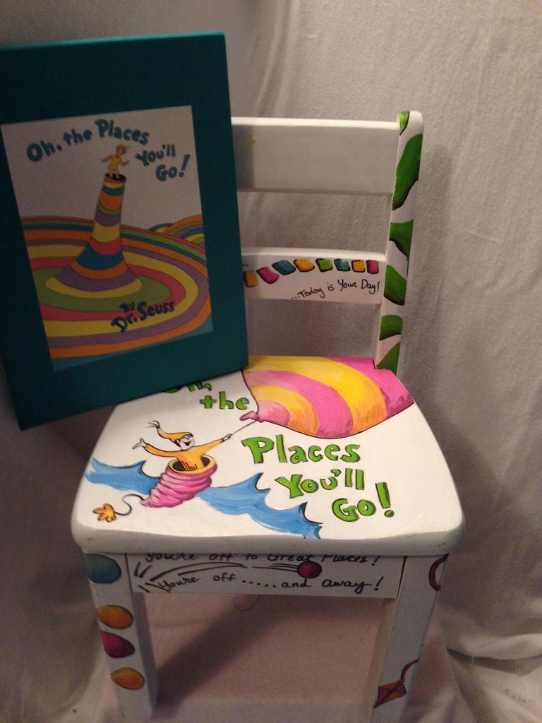 Merveilleux Dr. Seuss Book U0026 Hand Painted Chair