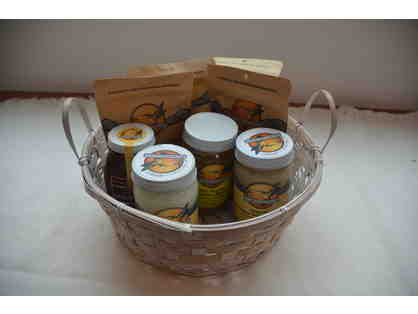 Hummingbird Wholesale Organic Goods Gift Basket