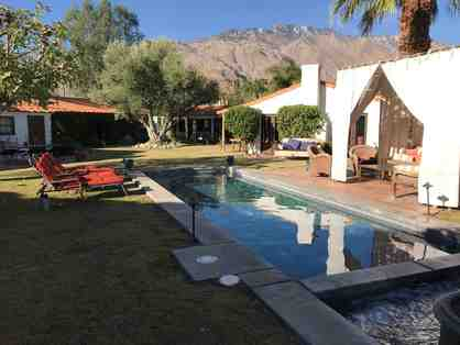 Palm Springs Hacienda and Hot Tub for 10-12 people