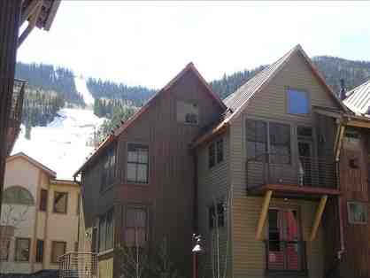 2 nights Telluride Vacation in a Luxury 3 bedroom Townhome close to lifts!