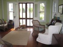 Weekend or 4weekday Stay for up to 8 in Beautiful Gracious Shelter Island Vacation Home