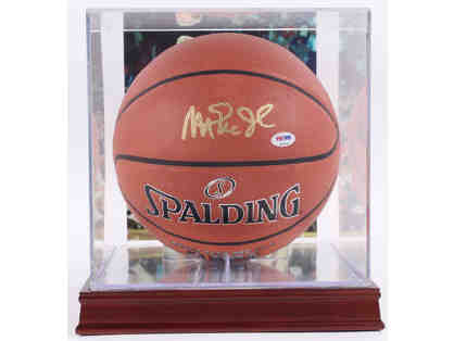 Magic Johnson Signed & Authenticated Official NBA Basketball with Display Case