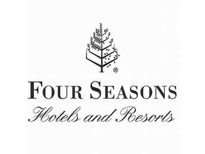 1 Night Villa Stay and Breakfast for 2 at The Four Seasons Dallas at Las Colinas