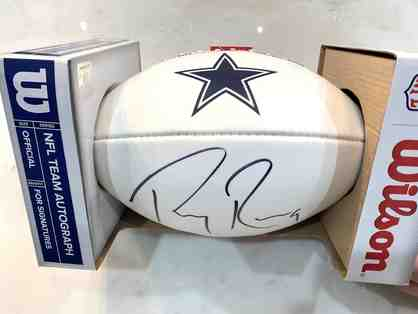 Wilson NFL Team Autograph Football Dallas Cowboys Autographed by Tony Romo!