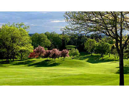 Exclusive Somerset Country Club - Golf for 3