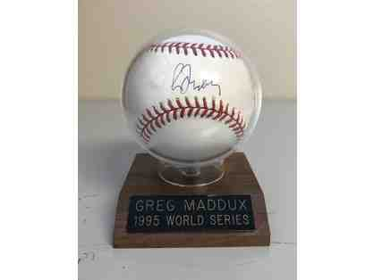 1995 Greg Maddox Autographed World Series baseball