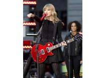 See Taylor Swift in Concert VIP Style in LA